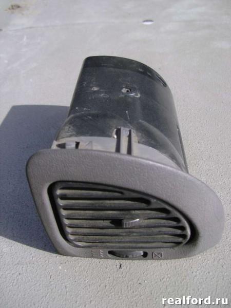 Дефлектор воздушный правый